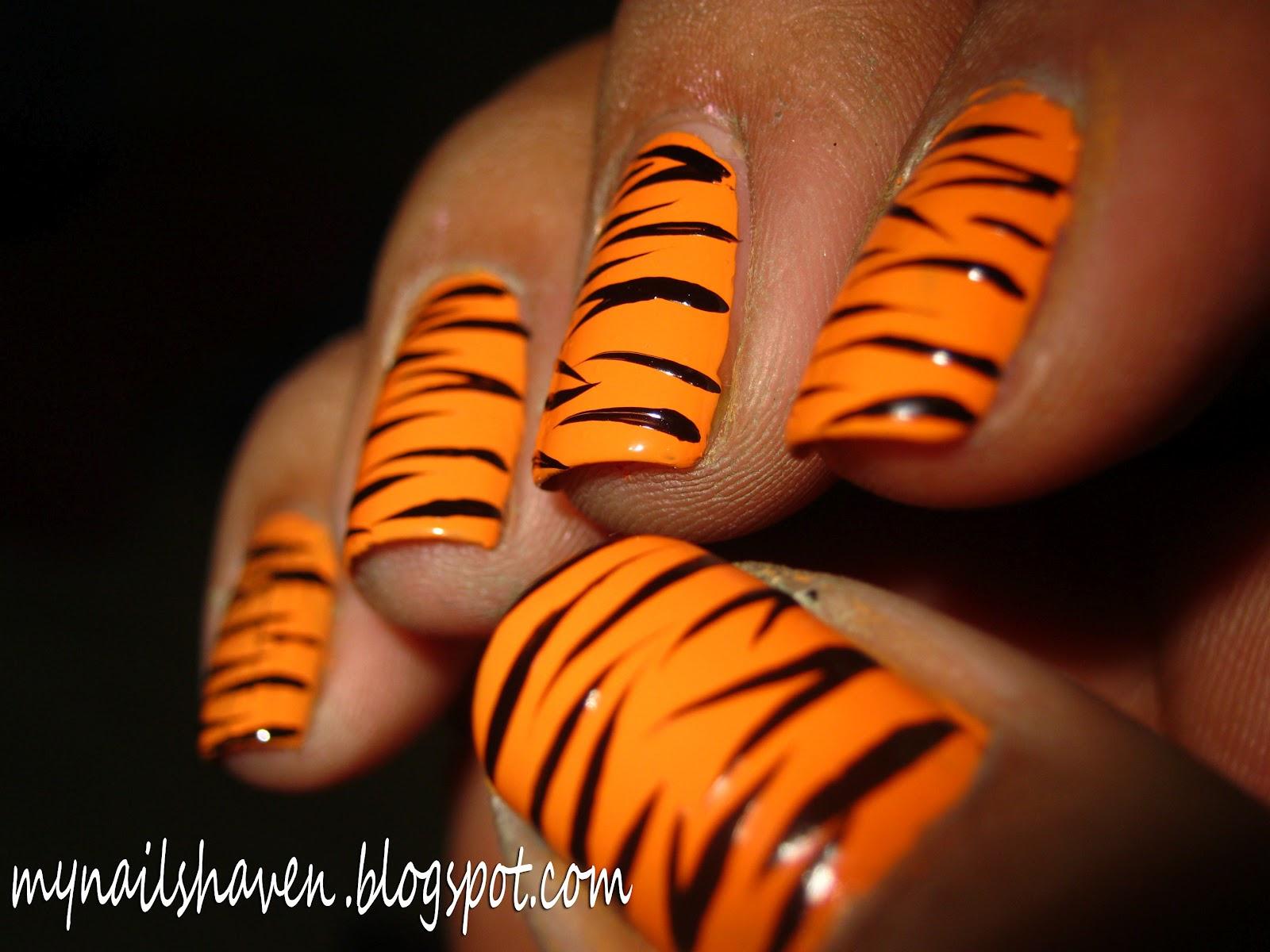 Black Striping Nail Paint
