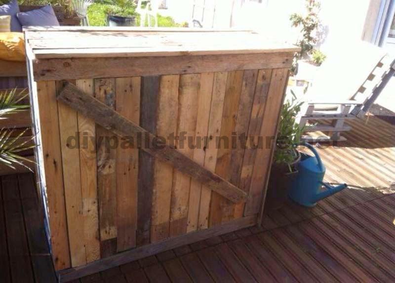 Lounge para el jard n hecho con palets for Bancos de jardin hechos con palets