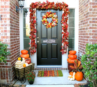 http://2.bp.blogspot.com/-cbBJAm1svm4/VeuMXXStY5I/AAAAAAAAPlY/pWuUcjE5oYQ/s320/front-porch-fall-decorating-ideas.jpg