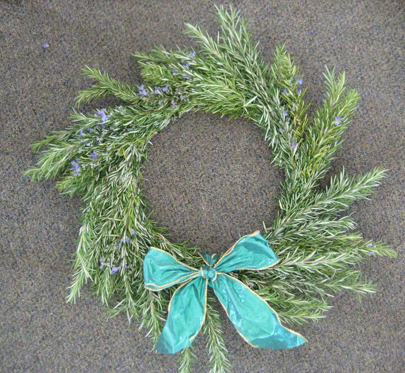 Growing Tables: Support Crescent Elk students, buy a rosemary wreath!