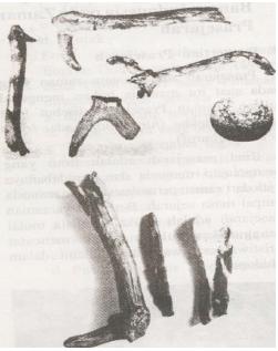 Alat-alat dari Tulang dan Tanduk Hewan. (Sumber: Sejarah Nasional Indonesia)