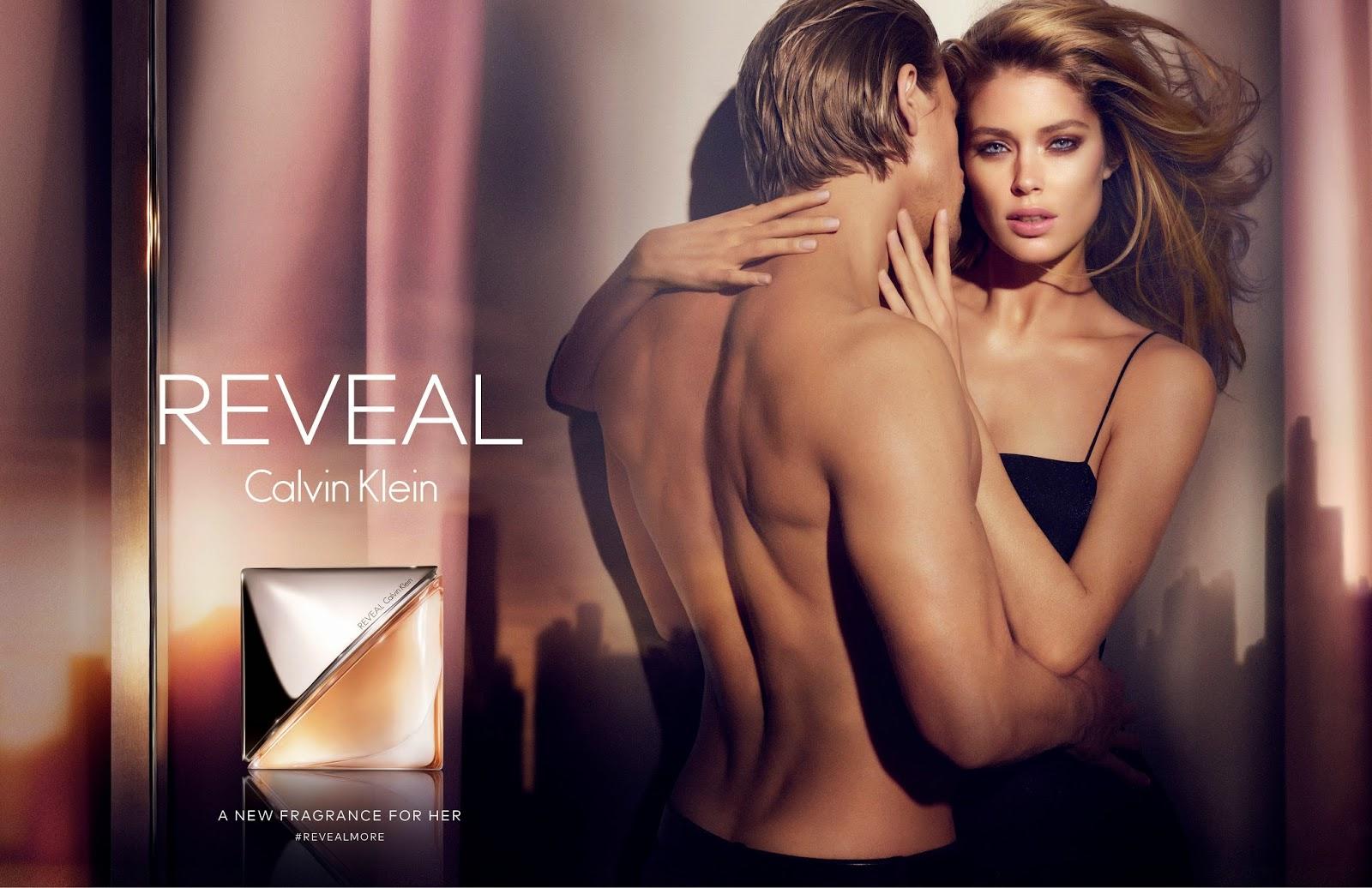 Charlii Hunnam, Doutzan Kroes y Reveal, la nueva fragancia femnina de Calvin Klein.