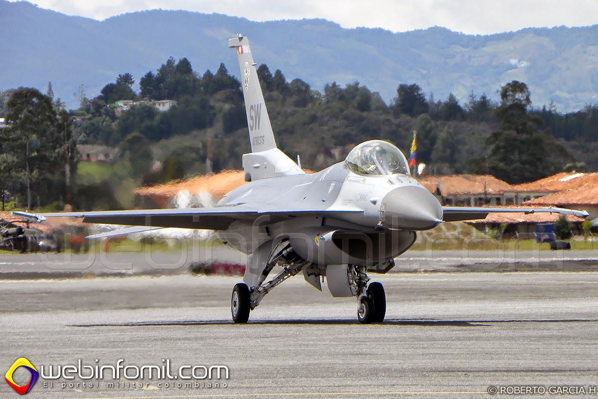 Unidos despl...F 16 Colombie