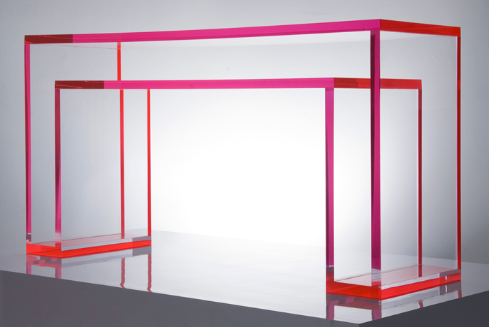 Shed the love jaci loves lucite and plexiglass acrylic for Consolle plexiglass design