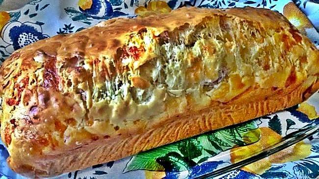 Bizcocho salado de queso y jamón serrano