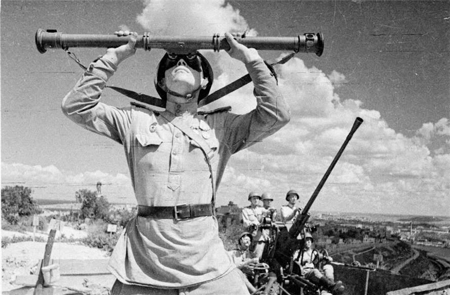 Советские зенитчики в Севастополе