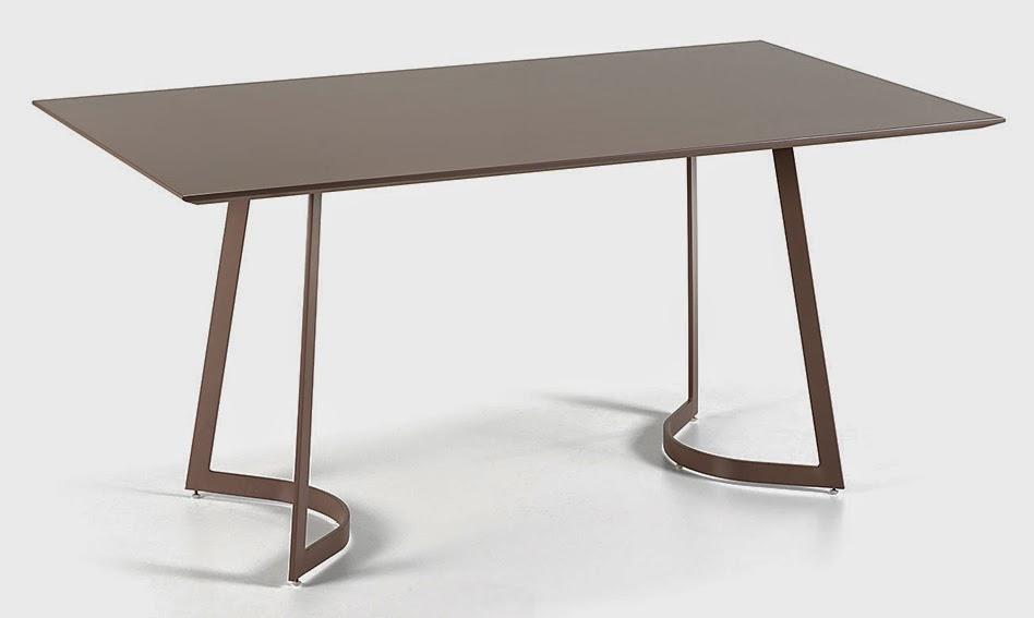 http://www.portobellostreet.es/mueble/27831/Mesa-de-Comedor-Moderna-Gamma