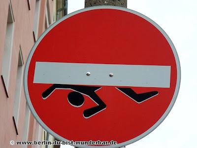 streetart, berlin, kunst, graffiti, verkehrsschild, sign, clet