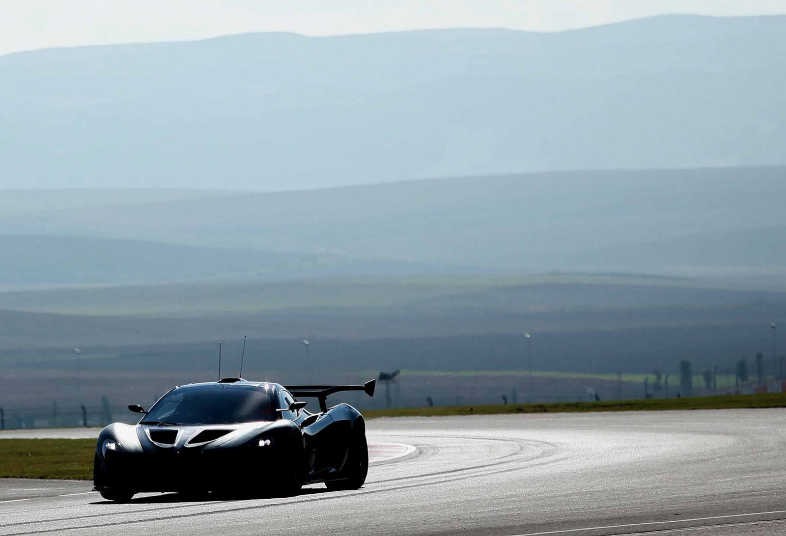 Mclaren p1 gtr extreme track weapon unveiled pictures - Photo Gallery