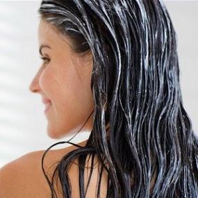 8 Cara Merawat Rambut Agar Tetap Cantik Dan Sehat d43e761b91