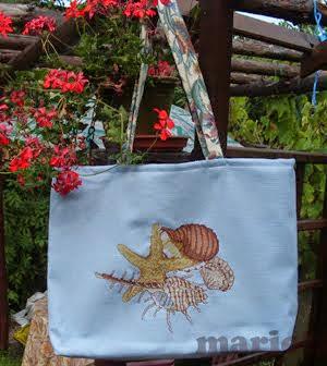 Muszle na letniej torbie
