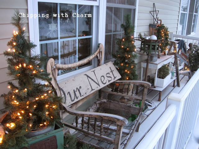 Chipping with Charm: Junk, Stars and Lights Outside...http://chippingwithcharm.blogspot.com/