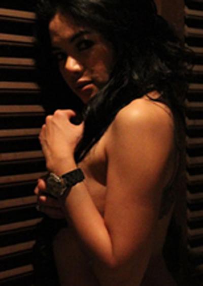 Foto Topless Nikita Mirzani Terbaru Tanpa Sensor