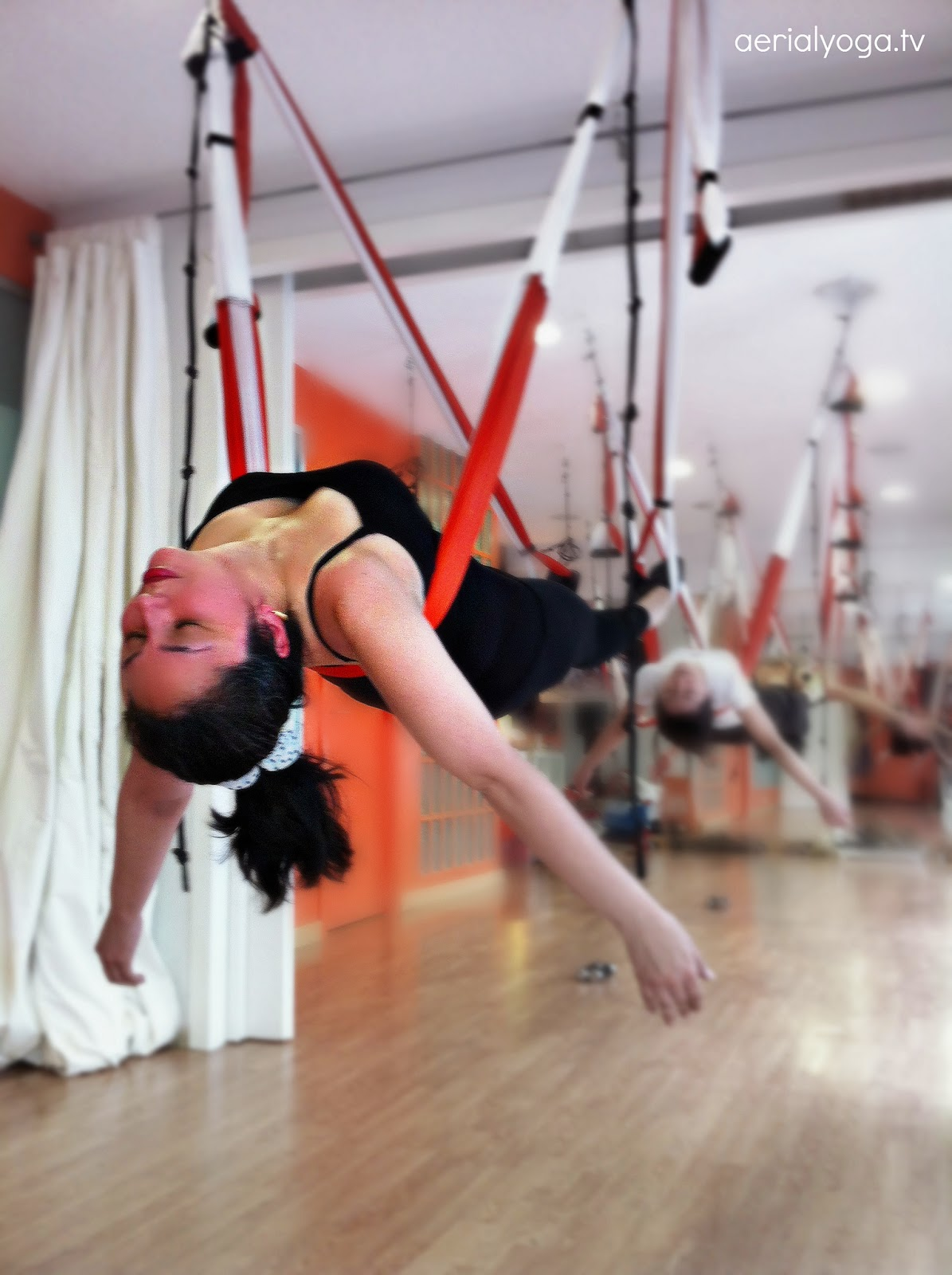 ayurveda yoga aereo anti age aerial pilates
