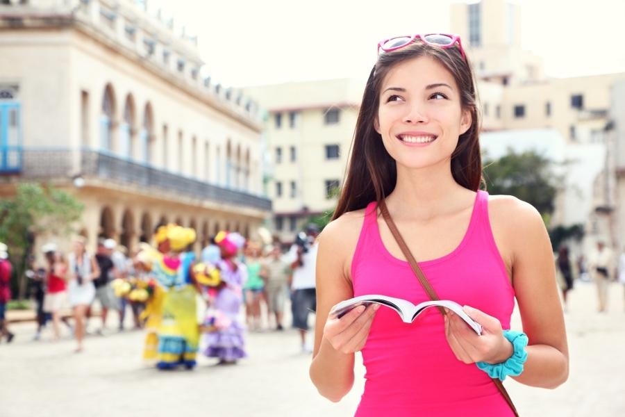 6 Rahasia Perempuan Agar Aman Pergi Sendirian [ www.BlogApaAja.com ]