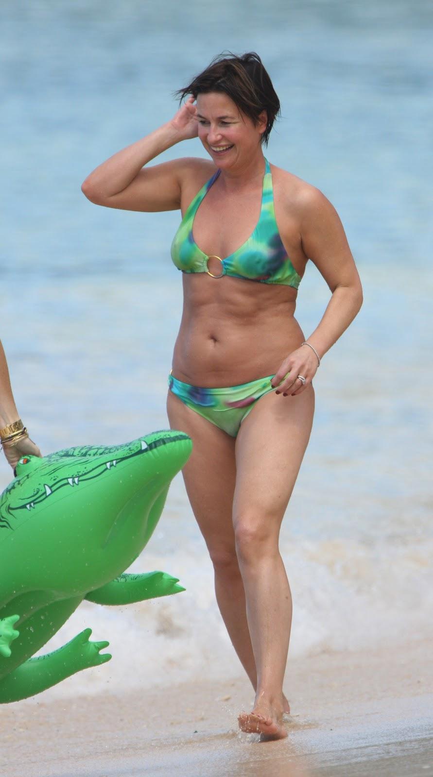 Holly Celebrity Gossips: Emma Forbes in colourful bikini