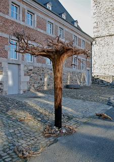 "NO hay raíces"" Emilio Gallego, artista visual, escultura, Galería Triangle Bleu, Stavelot, Bélgica"