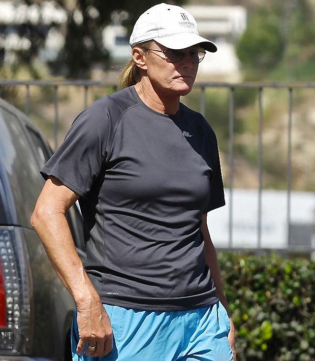 Bruce Jenner esta cambiando de sexo