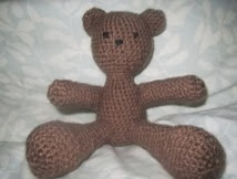 http://translate.google.es/translate?hl=es&sl=en&tl=es&u=http%3A%2F%2Fhubpages.com%2Fhub%2FAmigurumi-Bear-Pattern