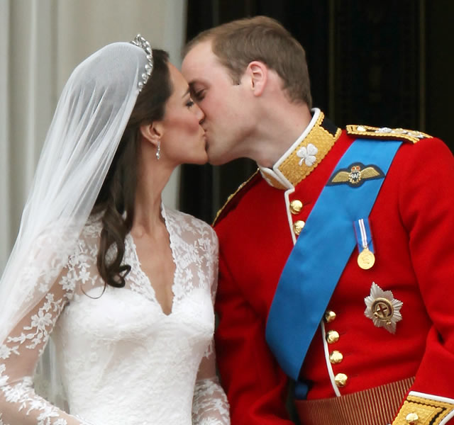 prince william and kate kissing. Kate Middleton and her Prince