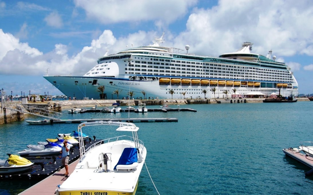 MS Explorer of the Seas (Foto 5). MARITIME LINE