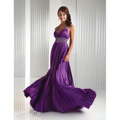 Full box pleat on a halter dress
