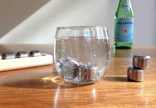 bongkah keluli dalam minuman