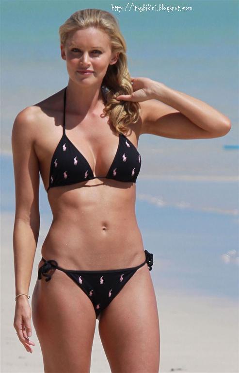 It's a Bikini: Kelly L... Ashlee Simpson Facebook