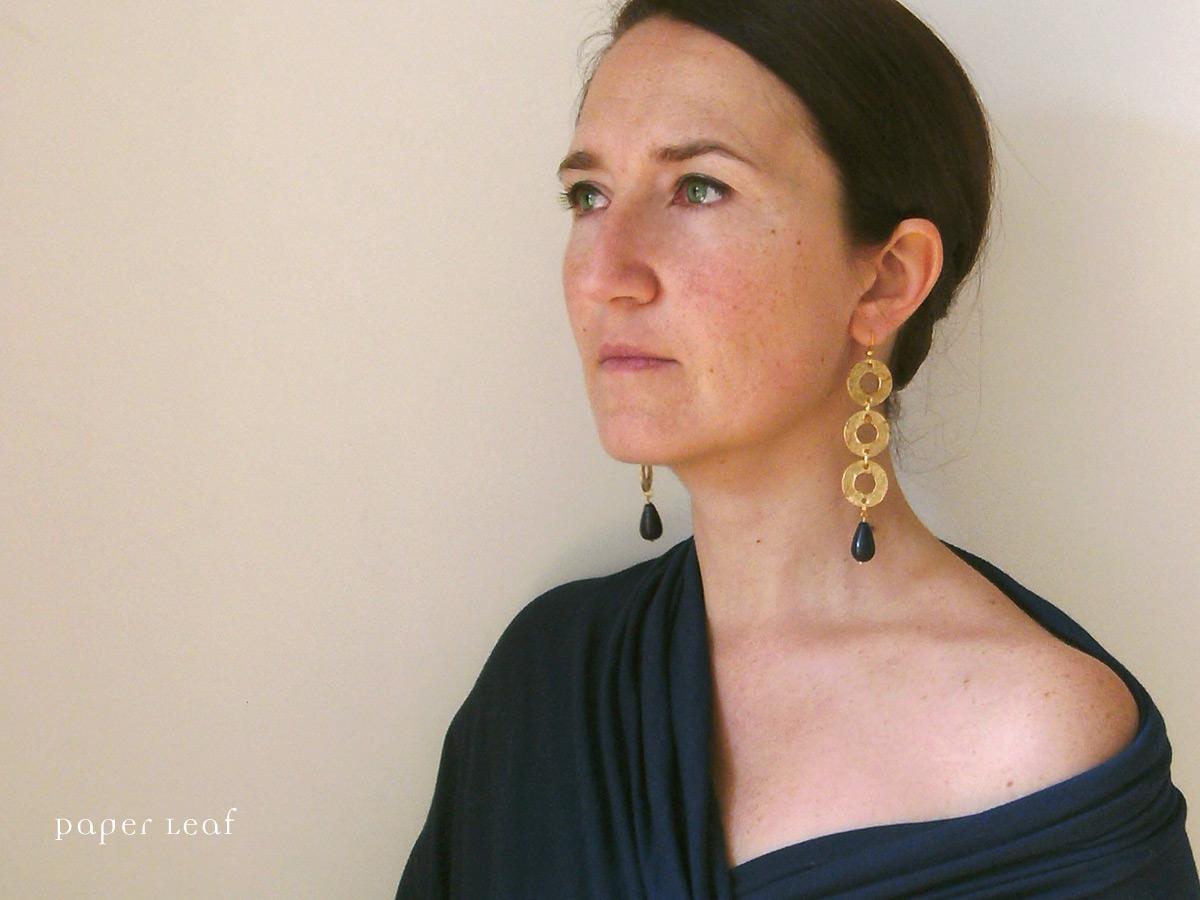 http://2.bp.blogspot.com/-cfXIOaMa9qM/T0E3tnyp1sI/AAAAAAAABVE/q4hV7Dnrm1k/s1600/PL_Feronia_01_paper_earrings.jpg