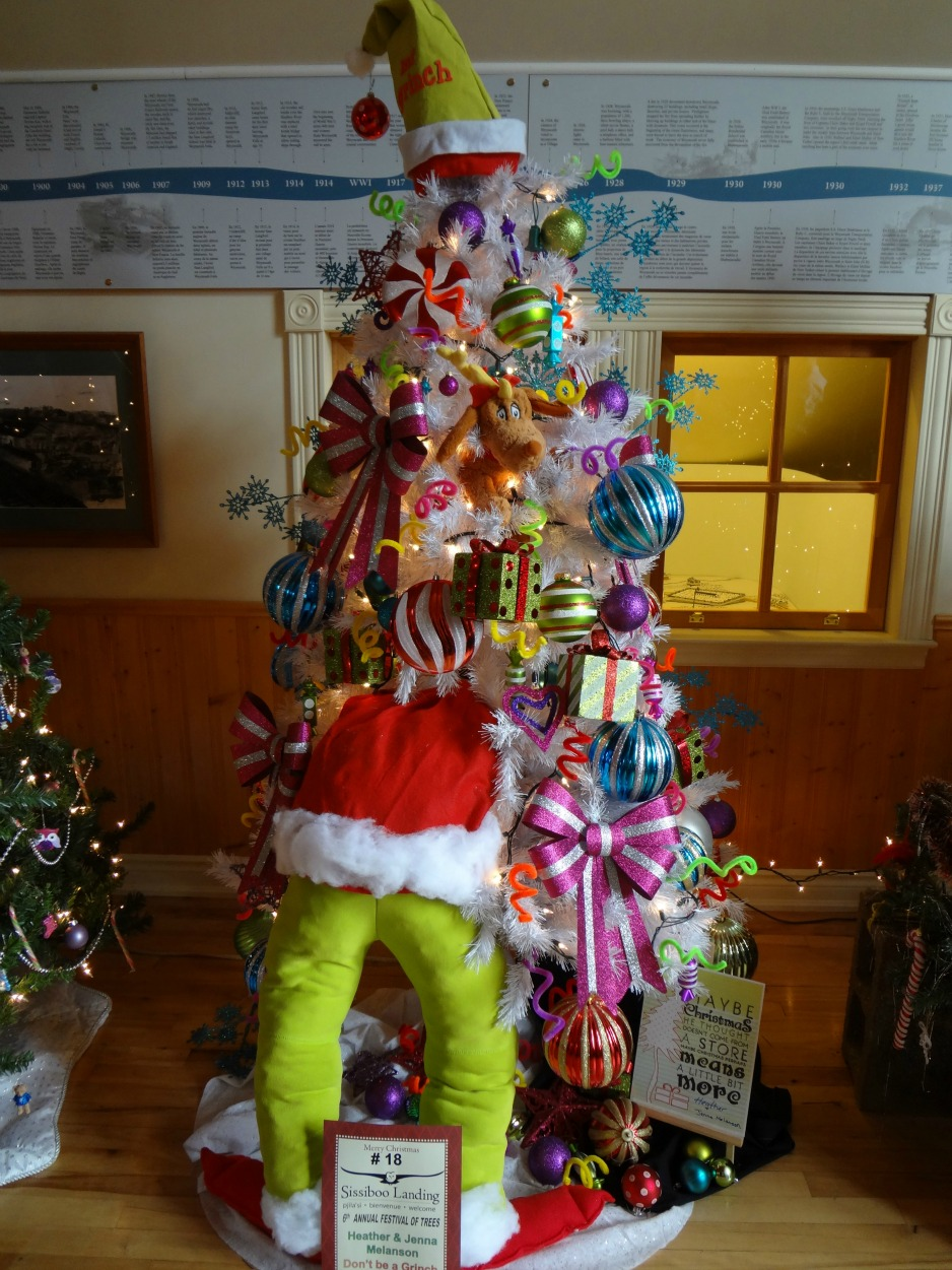 grinch christmas tree song