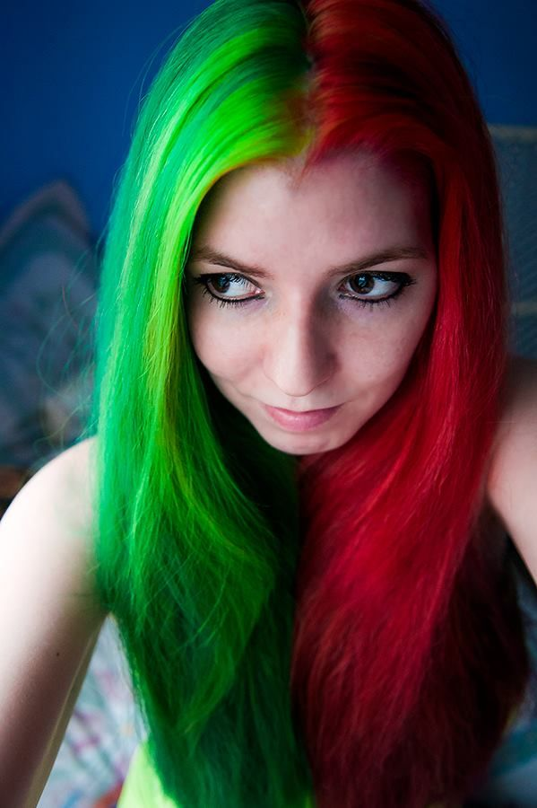 hair in xmas colors red amp green
