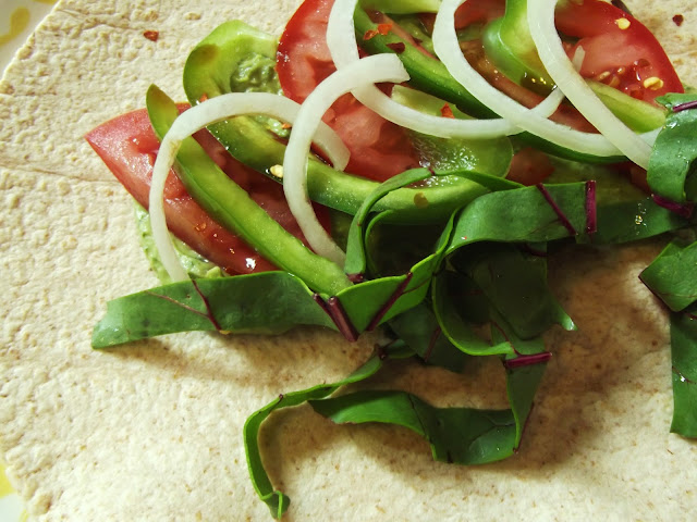 recipe, vegetarian, veggie wrap, diy, cooking, lunch ideas