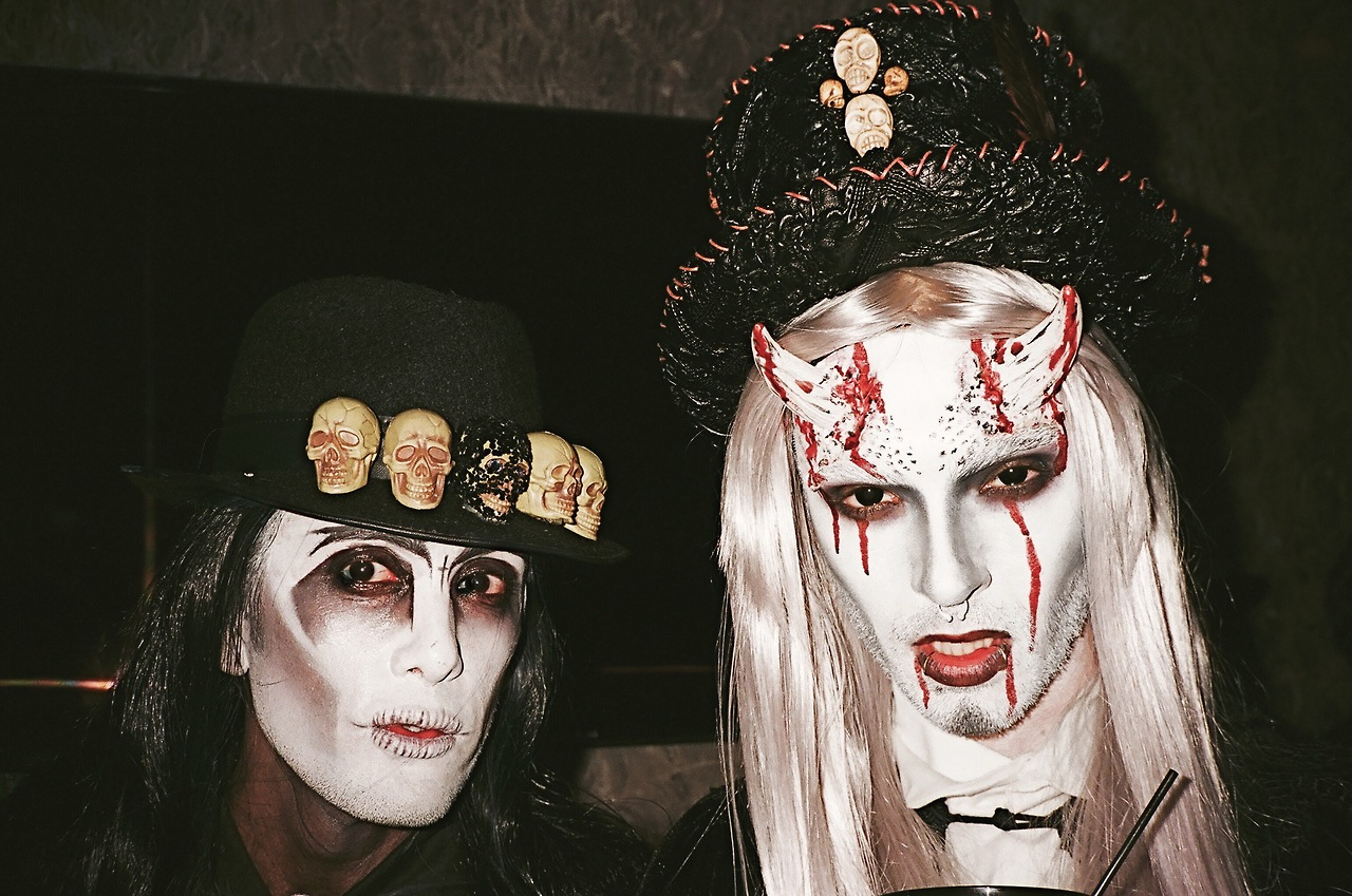 Tokio Hotel always By your side: [New Photo] Bill @ Trick or ...