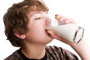 Manfaat Penting Minum Susu