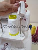 Inserte el cono antivibración con el lado más ancho hacia abajo hasta la mitad del pasador