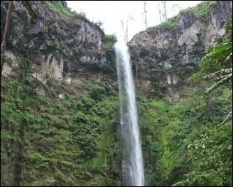 Air Terjun Coban Rondo - Daftar Tempat Wisata untuk Liburan di Bromo