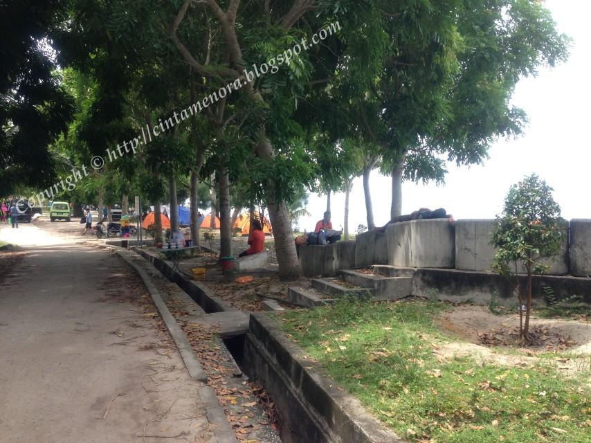 dari D'Puteri Kurnia Resort ke makam