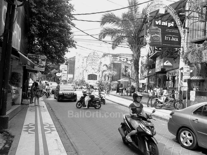 Jalan Legian Kuta, Bali Indonesia