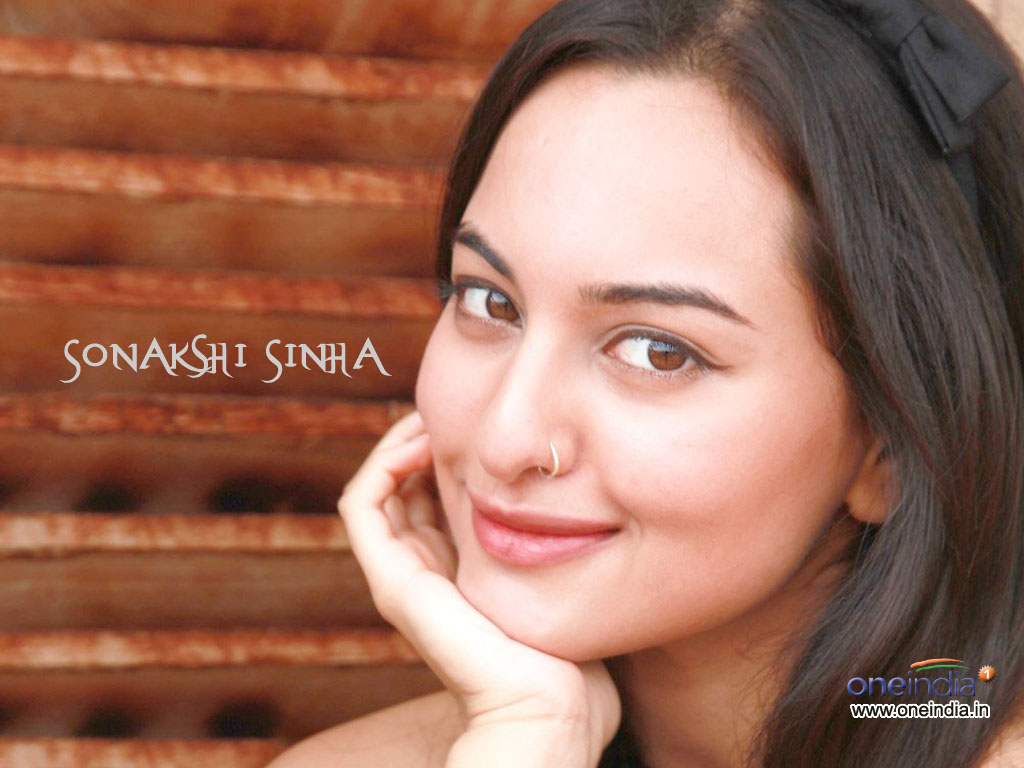 Labels: Sonakshi Sinha New Pic