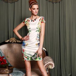 dress cantik motif bunga gaya masa kini