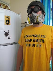 """Camiseta """"O desapego é meu e isso ninguém tira de mim"""" classic amarela, tamanho M - R$ 30,00"""