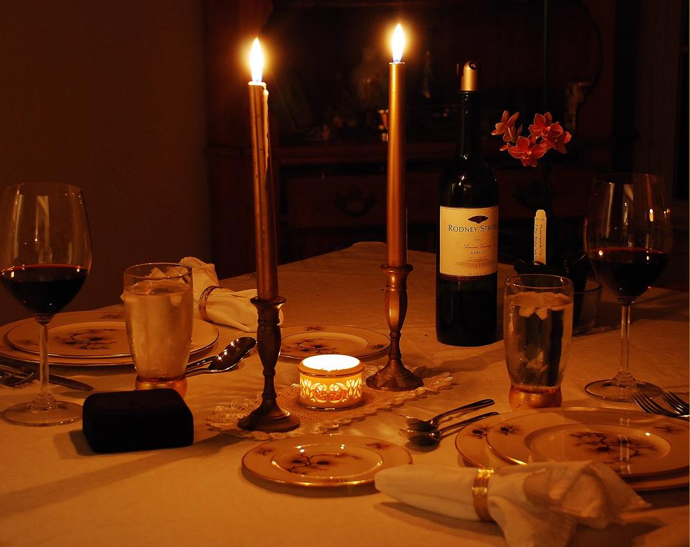 Han atirou primeiro um jantar luz de velas for Louis jardin wine