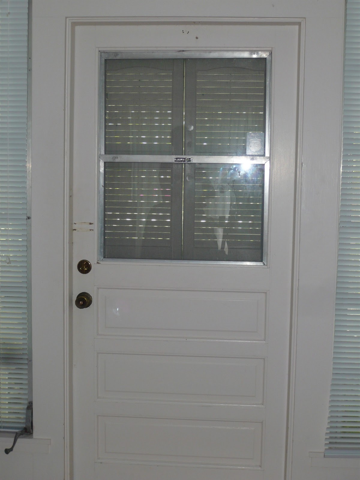 1600 #576874 As You Can See It's Your Standard Door With An Aluminum Screen Insert. wallpaper Discount Front Doors 41451200