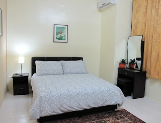 Photo 4: Master bedroom - a queen bed, air-conditioned