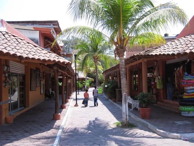 Las Calles de Ixtapa Zihuatanejo