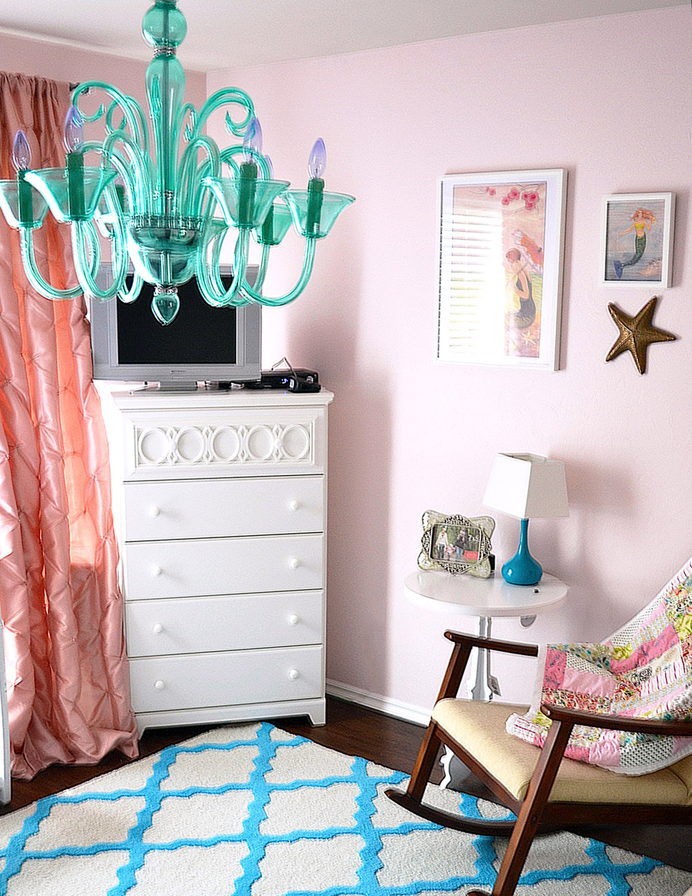Stacy charlie pink and turquoise mermaid nursery 6282013 arubaitofo Image collections
