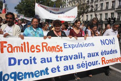 http://2.bp.blogspot.com/-cj6Q1c-zC7Y/UYt3UlCkqMI/AAAAAAABJ24/LwEjeuwcfNM/s400/manifestation+conre+la+x%C3%A9nophobie+%C3%A0+Paris+en+2010.jpg