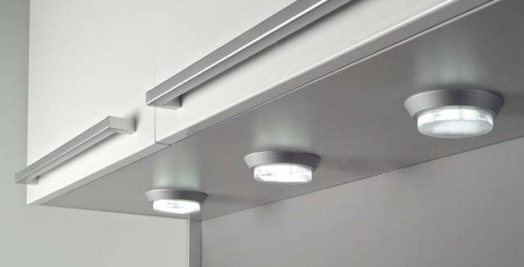 La iluminaci n integrada en la cocina cocinas con estilo - Iluminacion para cocinas techos ...