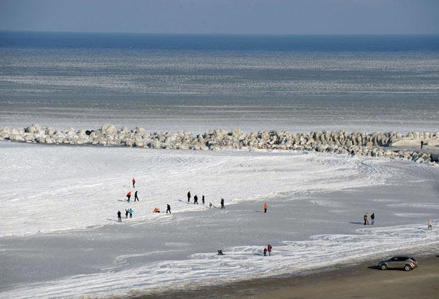 Frozen Black Sea Seen On www.coolpicturegallery.us