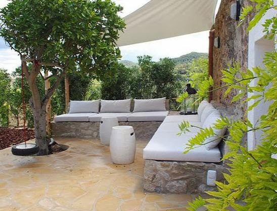 Una antigua finca rural ibicenca old country house in ibiza - Bancos de obra para jardin ...